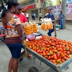 Fresh sweet tomatoes on sale in Cali's streets