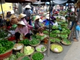 Free-wheeling Market Economy: anything goes in Hoi An's riverside market
