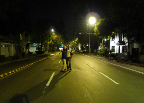 On the (empty) streets of Mexico City at 4 AM