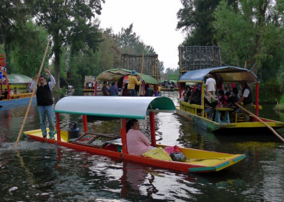 Floating food vendors, never far out of sight