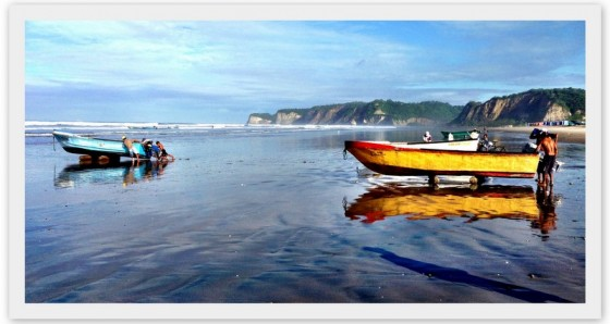 Fishermen head out to sea each morning in Canoa
