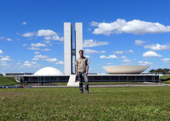 Oscar Niemeyer's iconic National Congress sits in the triangular <em>Praça dos Três Poderes</em>, which also houses the Presidential Palace and the Supreme Court.